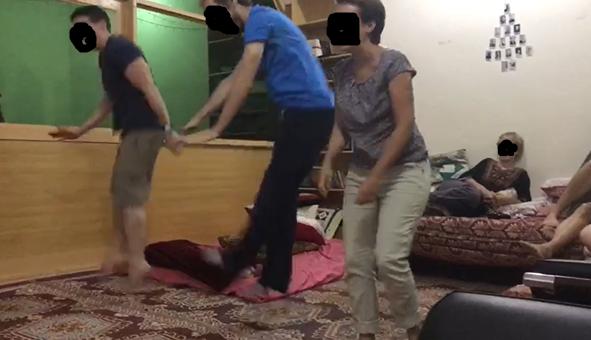 Expatriés jouant