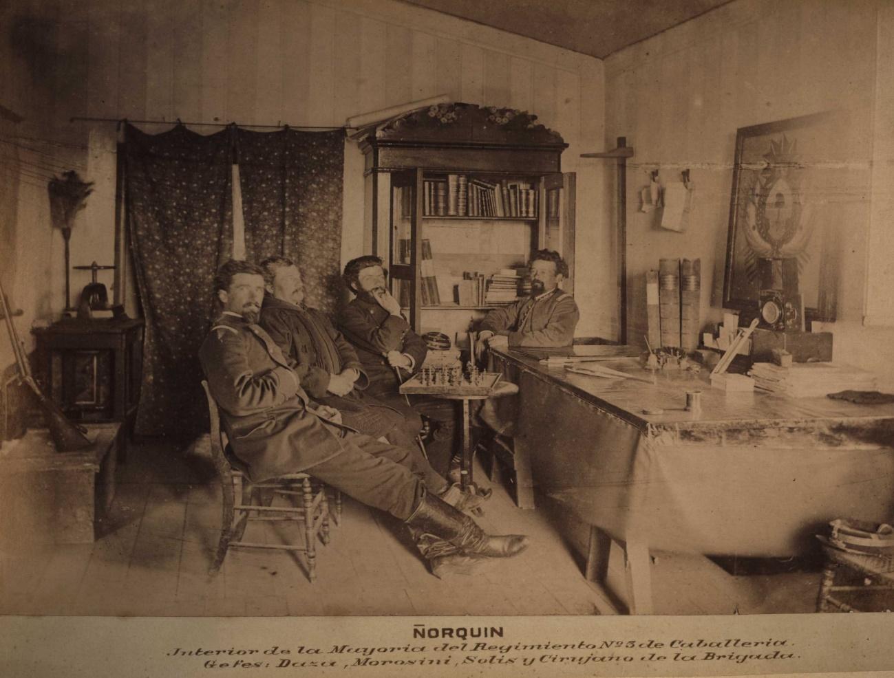 Imagen que contiene interior, foto, viejo, cocina  Descripción generada automáticamente